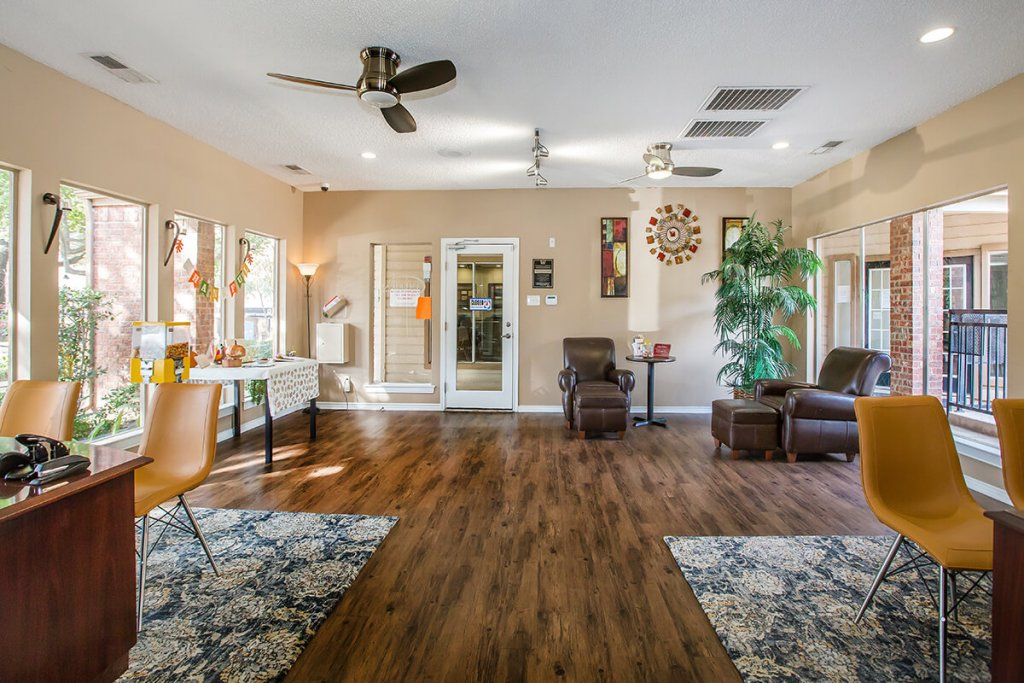 Towne Lake Village apartment